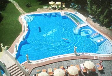 Kurhotel_HELVETIA-Pool